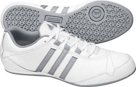 阿迪达斯 女子训练鞋 G13838白/银金属/烟灰