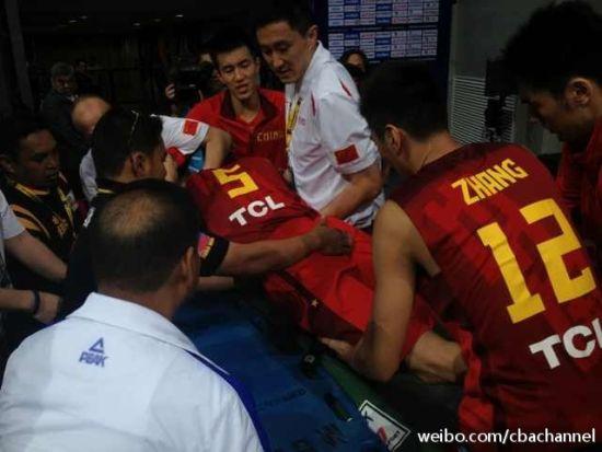刘晓宇受伤离场