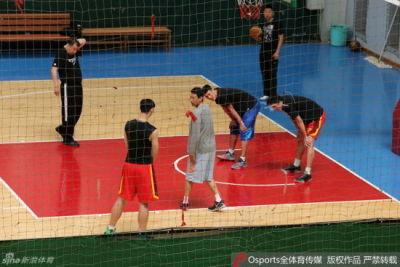 翟晓川因考试暂离队 男篮:伤病与训练方法无关