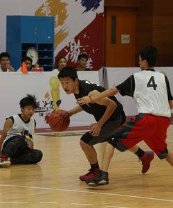 13岁华裔少年崭露头角 下一个林书豪?(图)