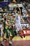 图文-[热身]中国男篮87比70立陶宛阿联篮下强攻