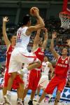 图文-[斯杯]中国男篮VS俄罗斯阿联无视三人盯防