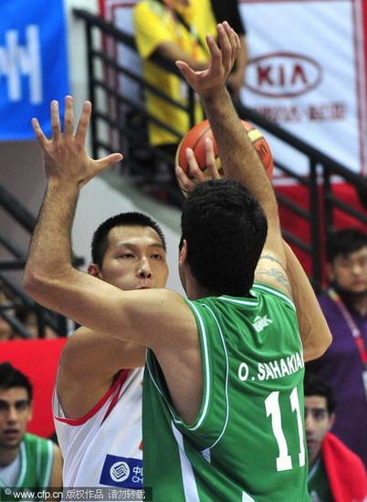 图文-[斯杯]中国男篮VS伊朗阿联如此勇猛