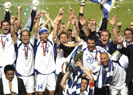 """欧洲杯历届史话:2004年--""""黑马""""夺冠"""