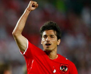 欧洲杯-东道主最后时刻获点球奥地利1-1逼平波兰