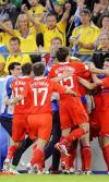 图文-[欧洲杯]俄罗斯VS瑞典球员集体庆祝进球
