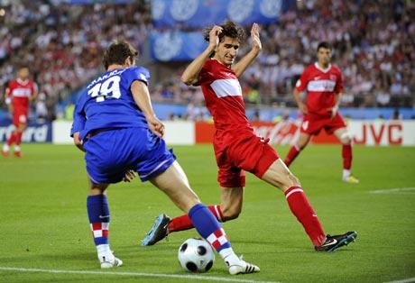 图文-[欧洲杯]克罗地亚VS土耳其克拉尼察骗过对手