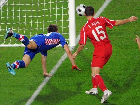 图文-[欧洲杯]克罗地亚VS土耳其阿西克险铸大错