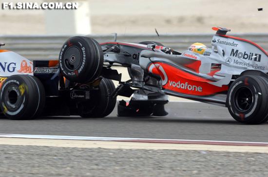 迈凯轮公布汉密尔顿事故真相阿隆索被临时冤枉了
