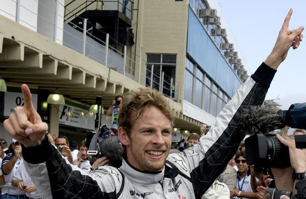 F1新科世界冠军巴顿特写:10年终尝总冠军滋味