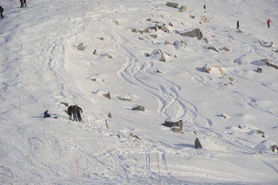 英国《镜报》公布的舒马赫事故地点照片