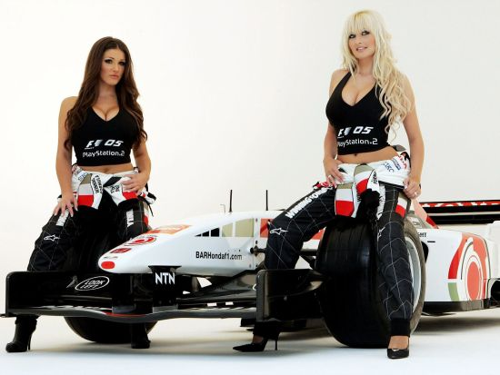 女模特为F1代言