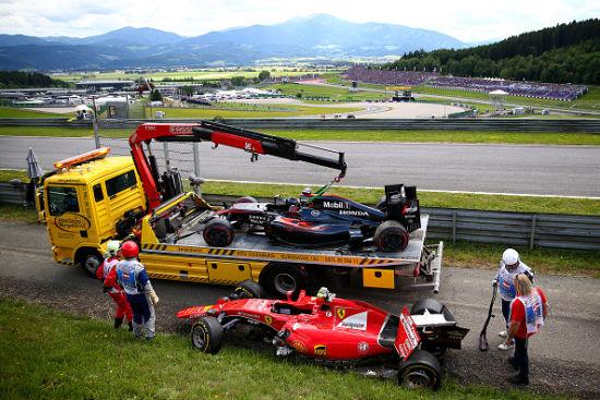 阿隆索莱科宁撞车事故