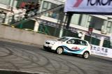 图文-潘晓婷助阵POLO杯联谊赛赛道上驾车进行比赛