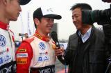 图文-POLO杯总决赛第10回合乐柯鹏接受电视台采访
