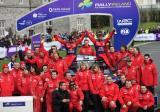 图文-WRC爱尔兰站第三日雪铁龙车队集体合影