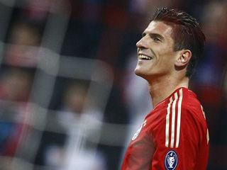 欧冠-戈麦斯帽子戏拜仁被追2球染红3-2那不勒斯