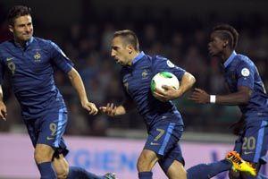 世预赛-范佩西2球荷兰率先出线里贝里2球法国4-2