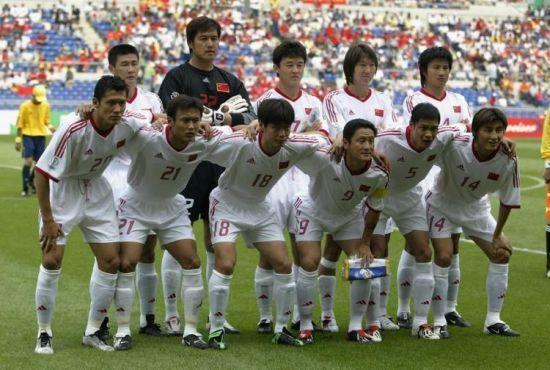 2002年世界杯中国队首场比赛的首发阵容-世界杯八大菜鸟队 02年中国