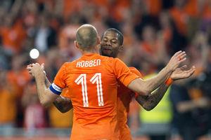 热身赛-罗本两失单刀1传1射范佩西伤退荷兰2-0胜
