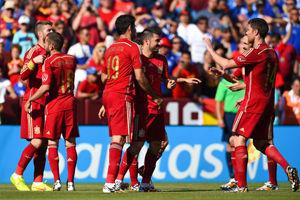 热身赛-比利亚梅开二度小法失点球西班牙2-0取胜