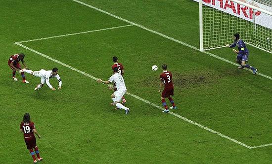 C罗――为纪录而生的王!他在欧洲杯上打进3个头球,是欧洲杯史上头球进球最多的球员
