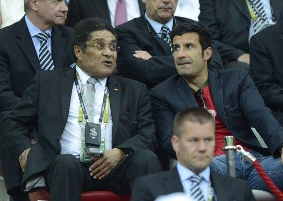 尤西比奥(左)两天前还现场为葡萄牙助威