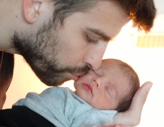 夏奇拉公布的皮克和儿子的照片