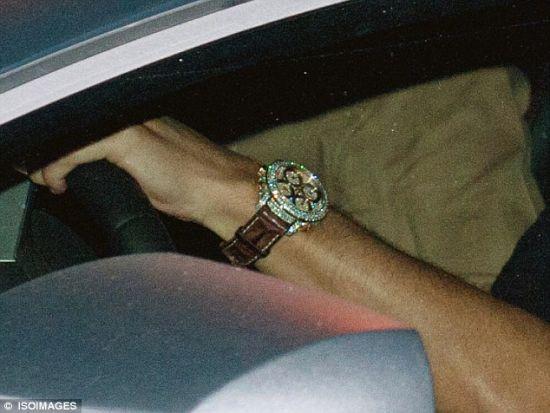 镶钻手表亮瞎眼