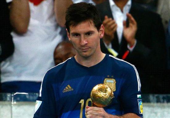 梅西贏得世界盃金球獎,但備受爭議