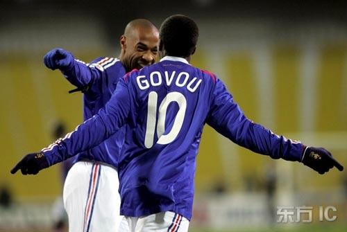 图文-[欧预赛]乌克兰2-2法国亨利大帝又进球了