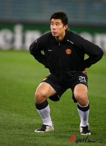 图文-[冠军杯]罗马VS曼联21号前锋疑似扎马步