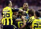 图文-[冠军杯]塞维利亚3-2费内巴切费内巴切庆祝进球