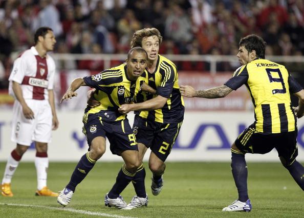 图文-[冠军杯]塞维利亚3-2费内巴切这球保住了性命