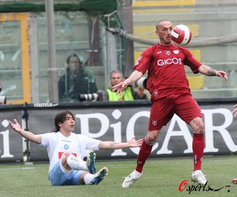图文-[意甲]雷吉纳vs那不勒斯西里洛在比赛中
