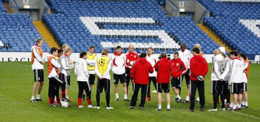 图文-利物浦备战欧冠半决赛次回合红军众志成城
