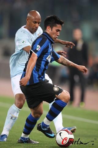 图文-[意大利杯]拉齐奥vs国米吉梅内斯脚下有根