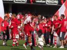 图文-[德甲]科特布斯2-0汉堡和女儿跳起欢快舞步