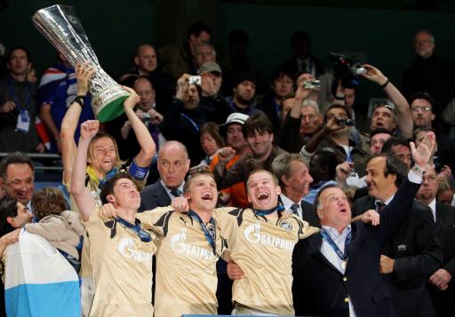 图文-泽尼特问鼎欧洲联盟杯冠军三个男人一个冠军