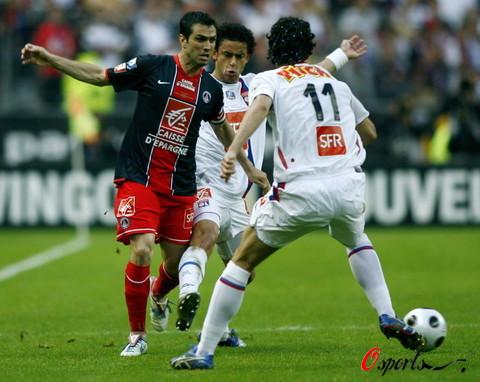 图文-[法国杯]里昂1-0巴黎圣日耳曼保莱塔告别之战