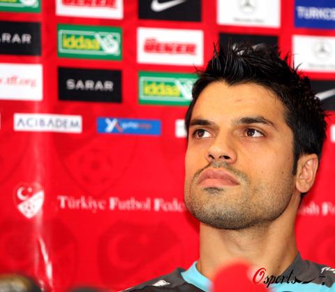 图文-土耳其备战欧洲杯半决赛土耳其战将格克汗