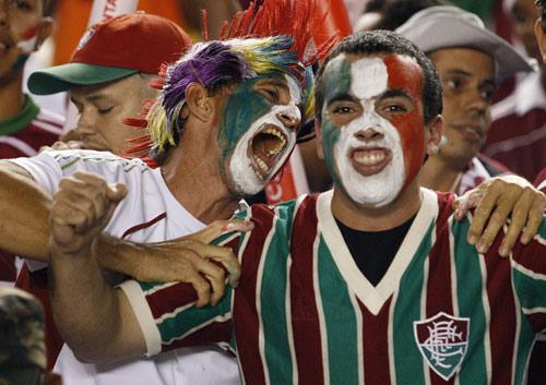 图文-南美解放者杯厄瓜多尔首夺冠有谁比他们还疯狂