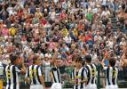 图文-尤文图斯新赛季热身7-1大胜众将集体亮相