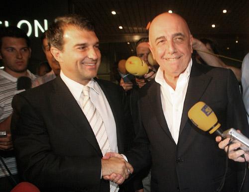 图文-罗纳尔迪尼奥加盟AC米兰小罗转会终于敲定