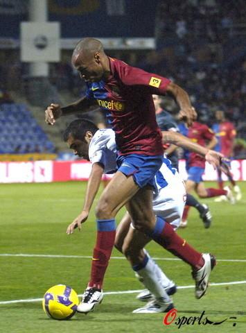 图文-[西甲]维尔瓦0-2巴萨亨利抹过对方后卫
