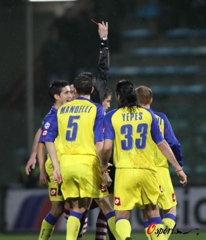 图文-[意甲]雷吉纳0-1切沃卡莫纳被红牌罚下