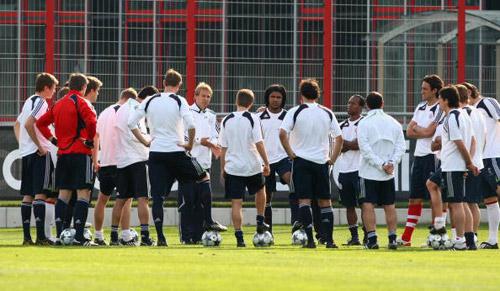 图文-拜仁备战欧冠八强主场战他们能否挽回德国尊严