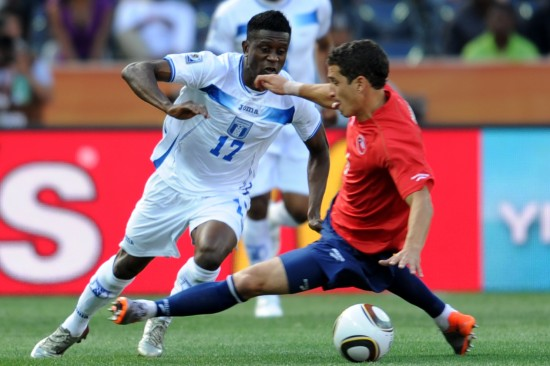 图文-[小组赛]洪都拉斯0-1智利卡莫纳争抢
