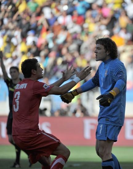 图文-[小组赛]德国0-1塞尔维亚科拉罗夫庆祝