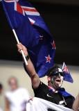 新西兰球迷挥舞国旗